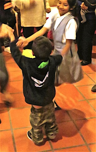 This little fellow literally danced his pants off. Unfortunately, my battery was failing by the time the dancing started and I missed some great ones. This one is a bit fuzzy but I had to include it anyway.