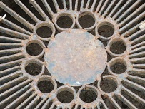 Love this grating over the drainage system.