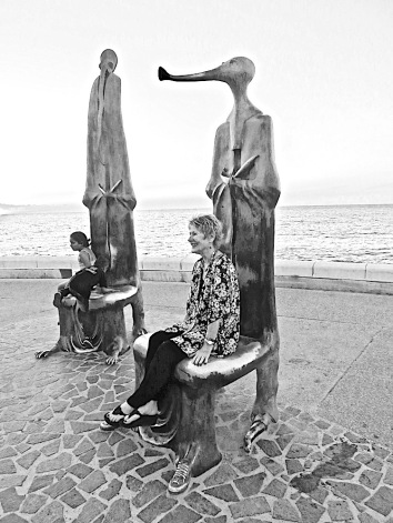 "ALEJANDRO COLUNGA created these surreal ""thrones"" on the waterfront in Puerto Vallarta Mexico"